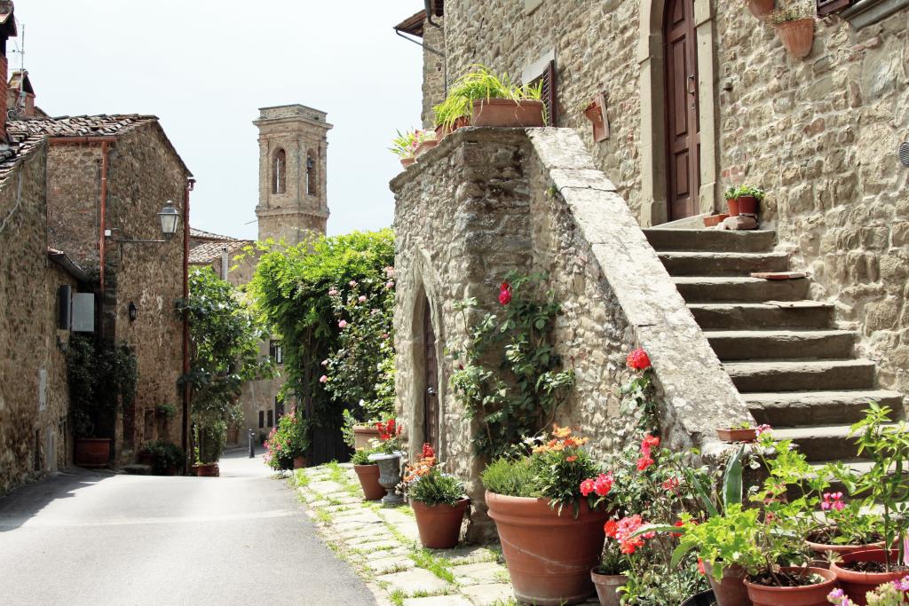 A street Radda in Chianti near our Tuscan villa rental
